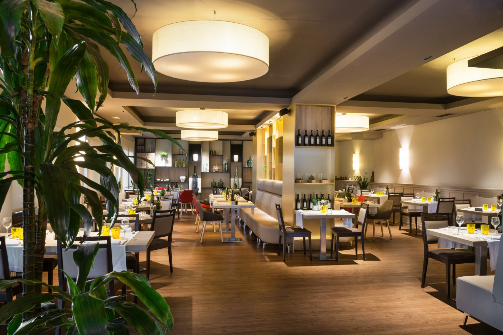 https://www.restaurantronda.com/imagecache/uploads_images_paginas_home_1620x1080_c_dsc-7961-copia-irf.jpg