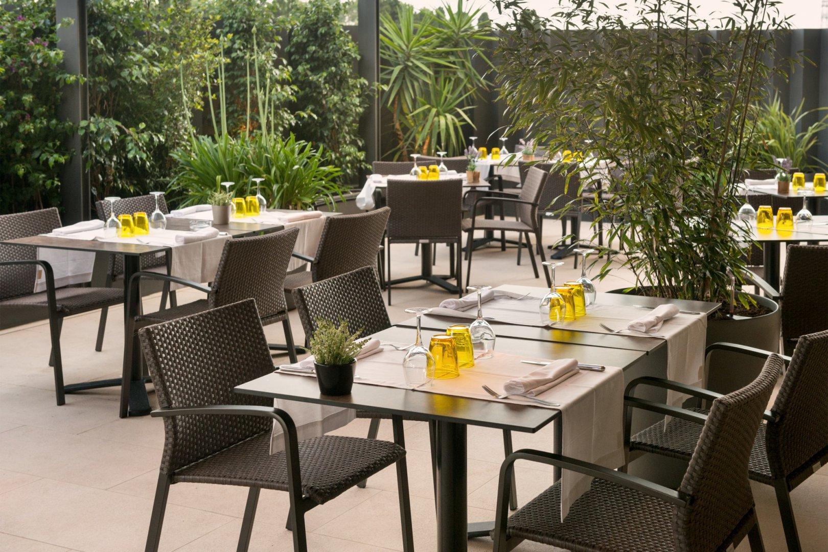 https://www.restaurantronda.com/imagecache/uploads_images_paginas_home_1620x1080_c_dsc-7983-copia.jpg
